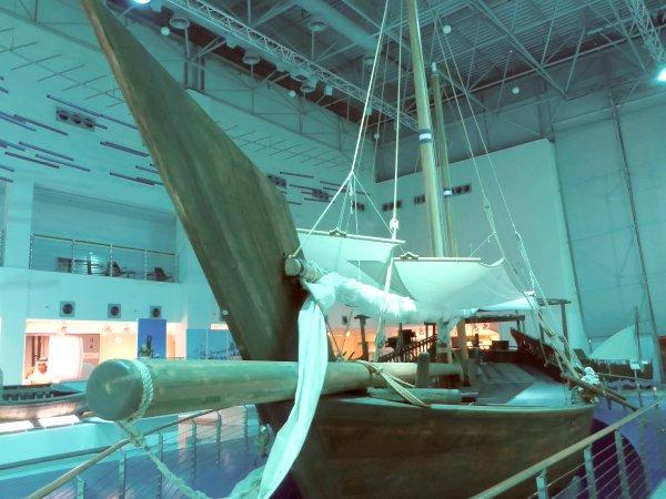 Dhau - das regionale Schiff - im Museum